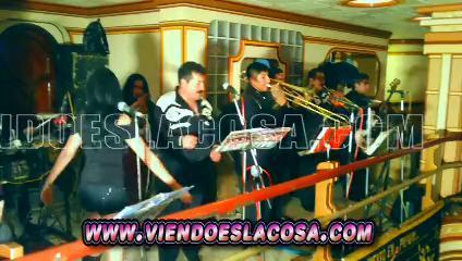 VIDEO: COMPLETAMENTE ENAMORADOS - PRIMICIA